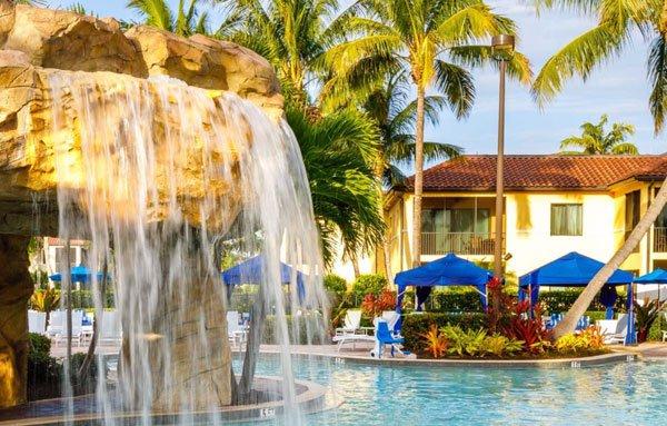 Naples Bay Resort pool in the Florida Gulf Coast