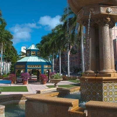 Fountain and architecture in Palm Beach