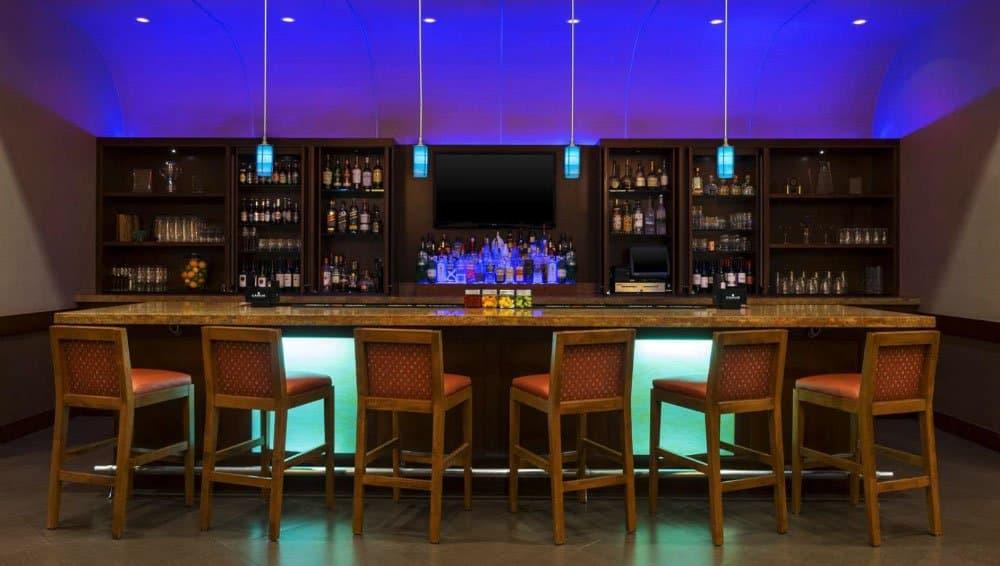 Hyatt Place bar - Florida Beach Holidays