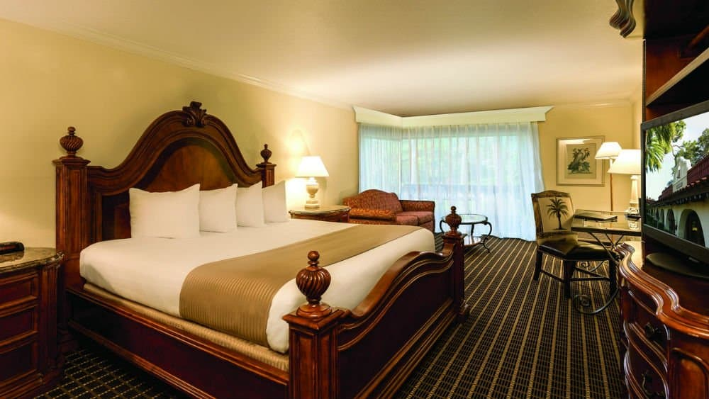Mission Inn Resort bedroom in Downtown Orlando