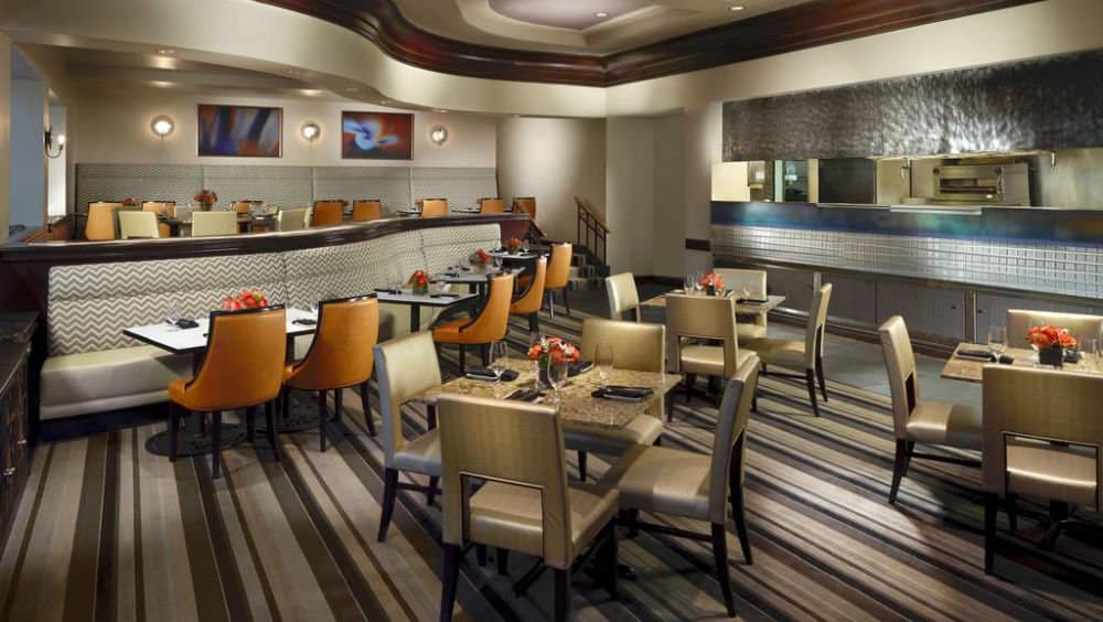 Omni Jacksonville Hotel bar in Jacksonville