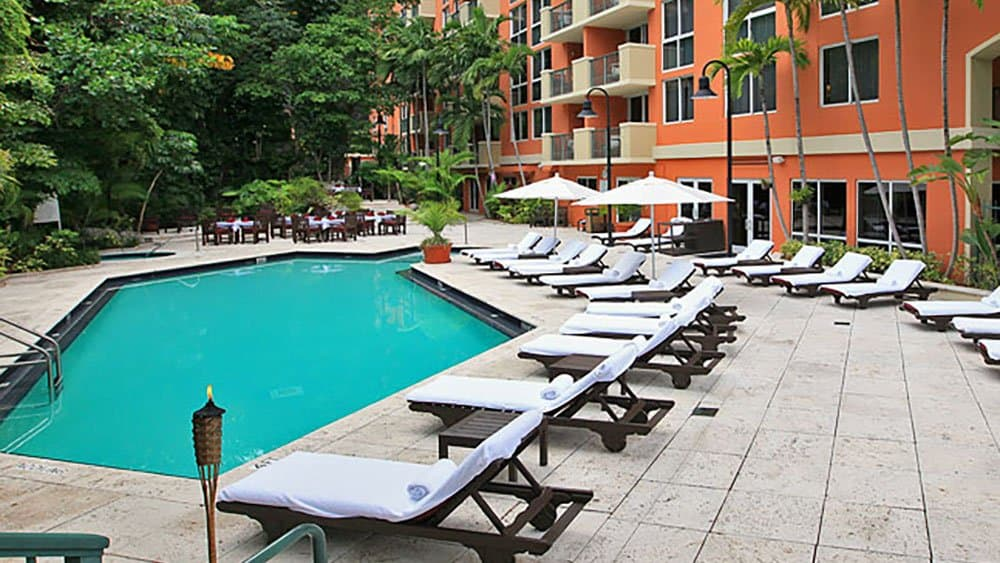 the mutiny hotel pool in Coconut Grove
