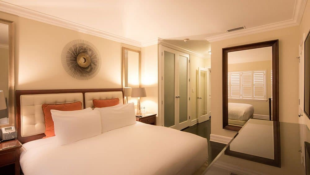 Pillars Hotel
