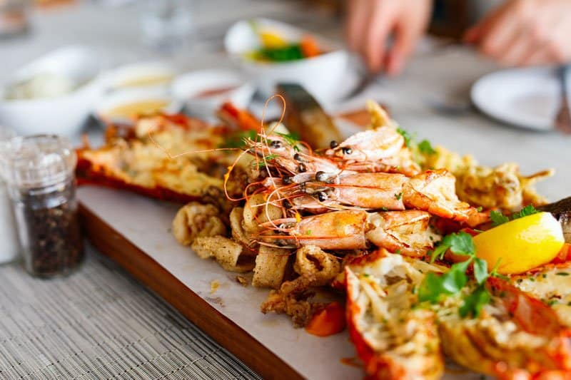 Grilledseafoodplatter tampa attractions