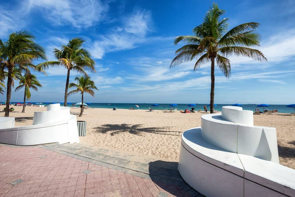EntrancetoaFortLauderdaleBeachFlorida fort lauderdale attractions