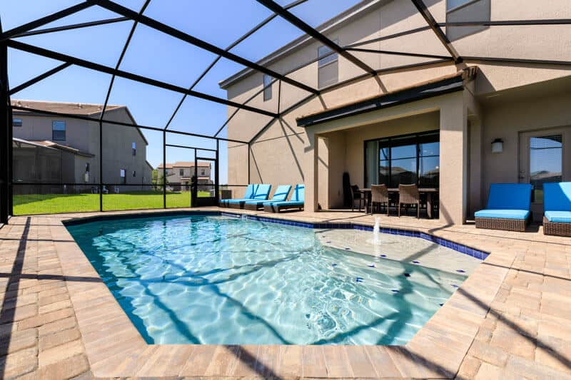 Typical 5 bed pool home Florida Villa